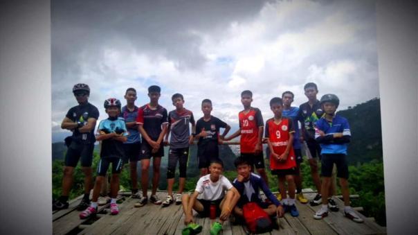 Thailand soccer boys