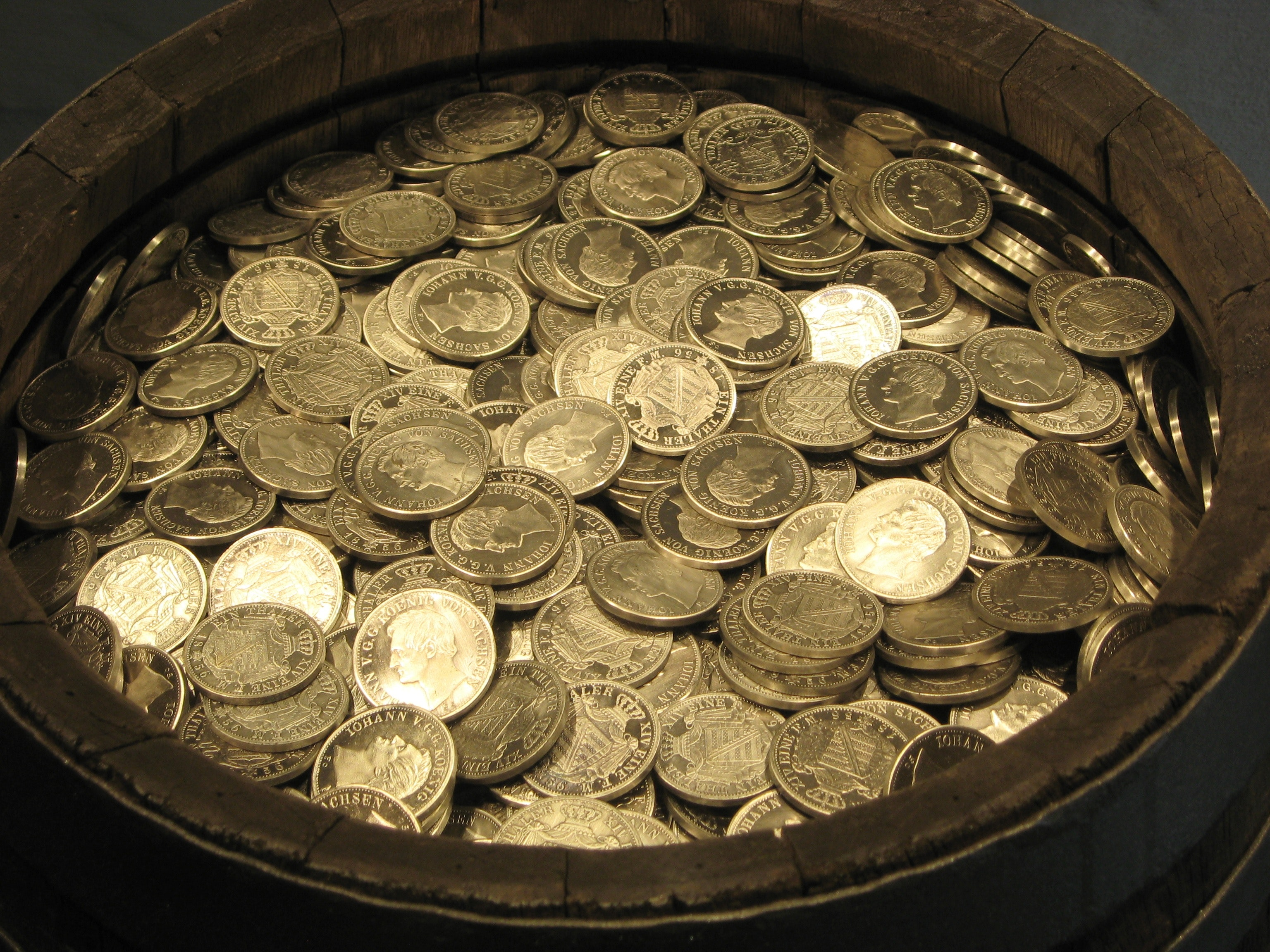 barrel-cash-coins-164580